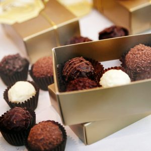 5 Tips to Deliver Chocolates Without Melting